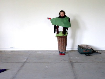 Настя Кузьмина. Накопление. 2012. Перформанс, видео. © Автор Nastya Kuzmina. Accumulation. 2012. Performance, video. © Artist